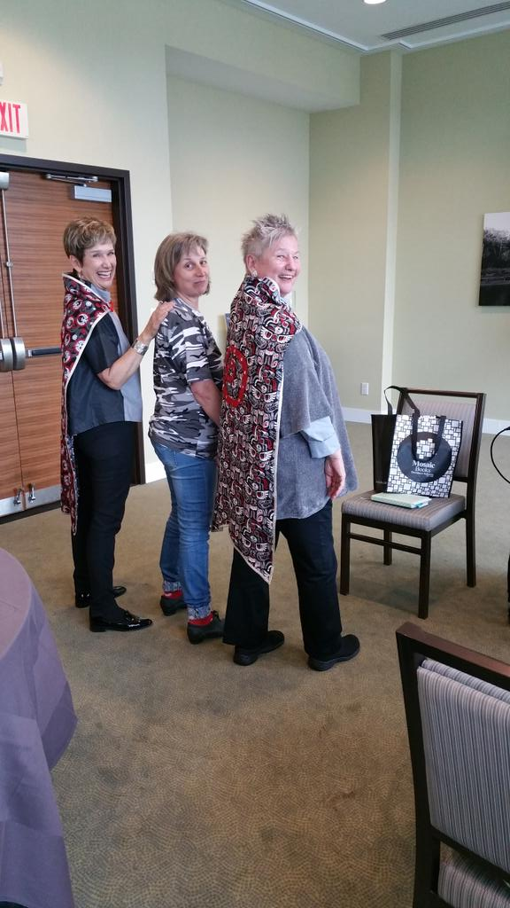 Superheroes @JLHALBERT @lkaser receive handmade Spiral capes from Wendy Briggs as thx for yrs of support. #noii2017 https://t.co/shk9m8UsAn