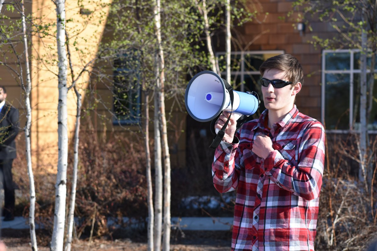 #YouthvGov plaintiff Nathan Baring brought his story to a @DefendAK #ArcticCouncil #RejectRex climate rally in Fairbanks, AK yesterday! <br>http://pic.twitter.com/8UtMaSFi4O