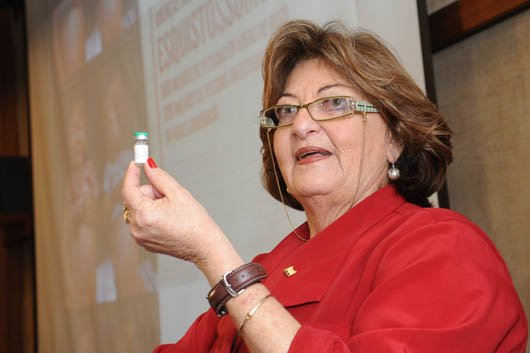 Pesquisadora do IOC @fiocruz recebe homenagem por desenvolver vacina brasileira para #esquistossomose https://t.co/DM0R3WqHku
