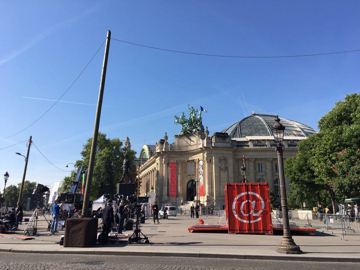 .@EnvoyeSpecial document exceptionnel sur la campagne d'Emmanuel Macron, reportage sur les électeurs du FN et les enfants perdus de Daesh.