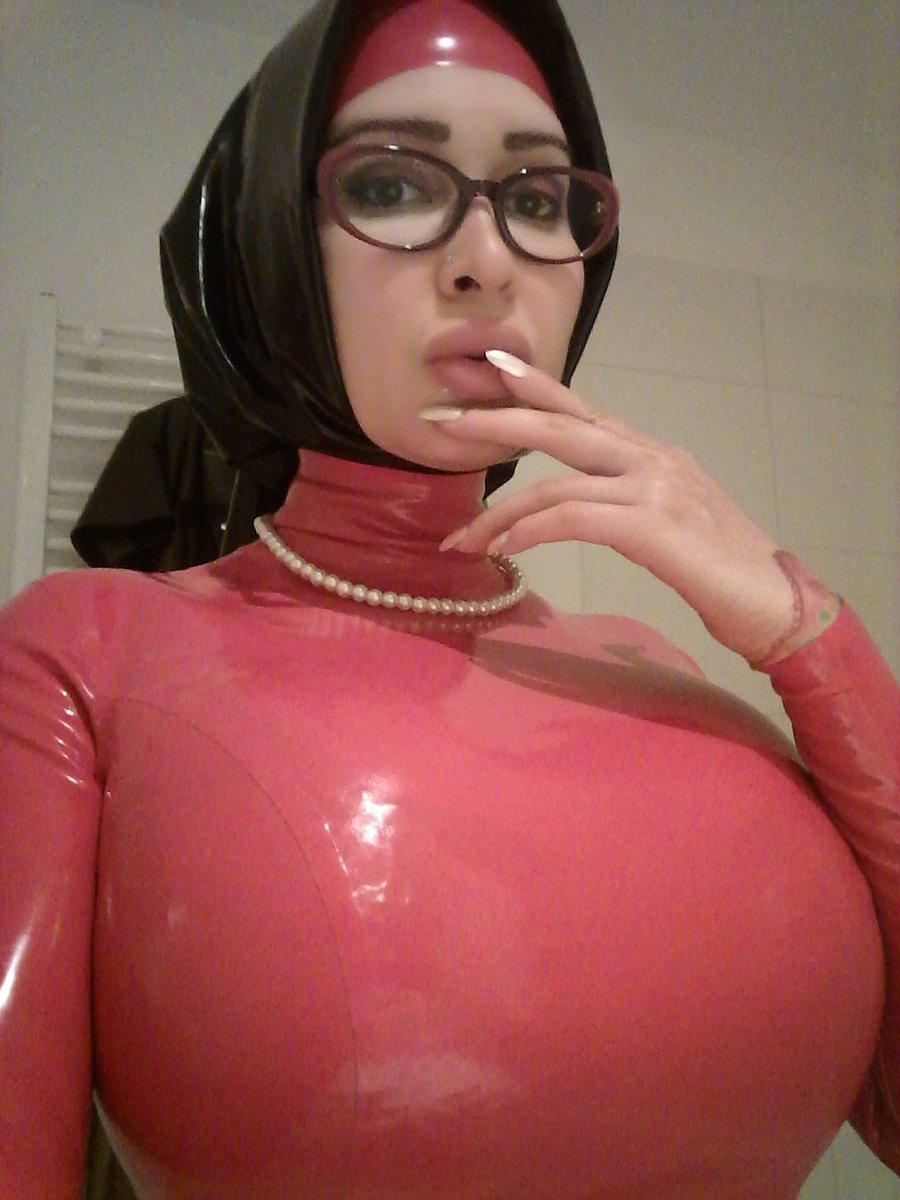 xxx pics hijab model