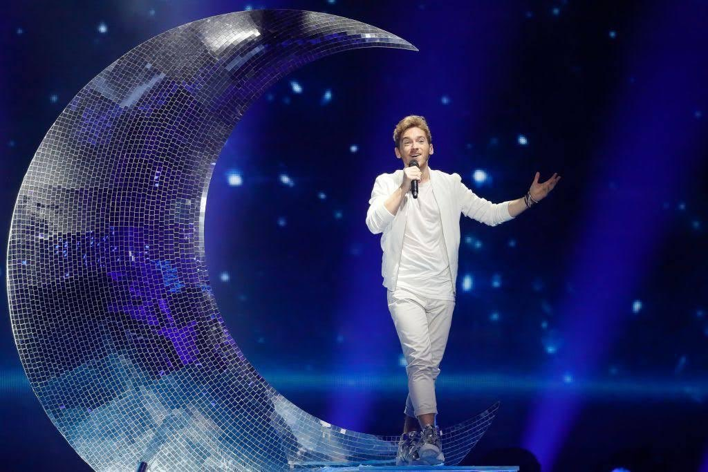 Austria seem to have stolen Flo's moon for their Eurovision gig... https://t.co/luqsT0piDJ