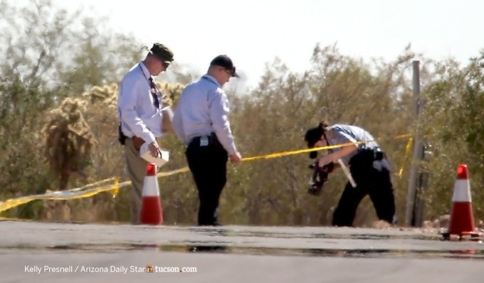 #Tucson Police detectives at the scene of a body found near Cienega High School. https://t.co/CDQR0T1AC4 @whatsuptucson