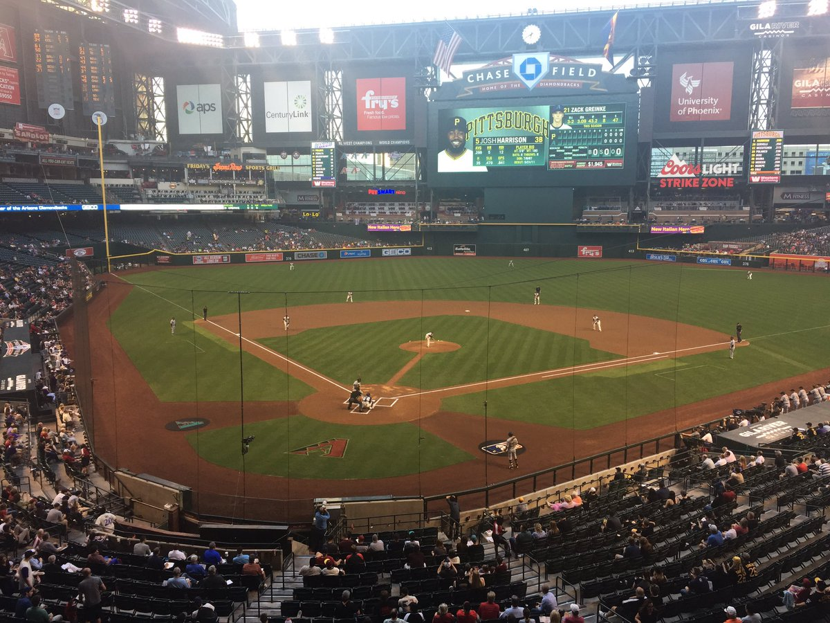 4694f6a59 Game 1 from the valley of the sun has begun. #LateNightBUCN #LetsGoBucs  https://t.co/vtNJJGj4fR