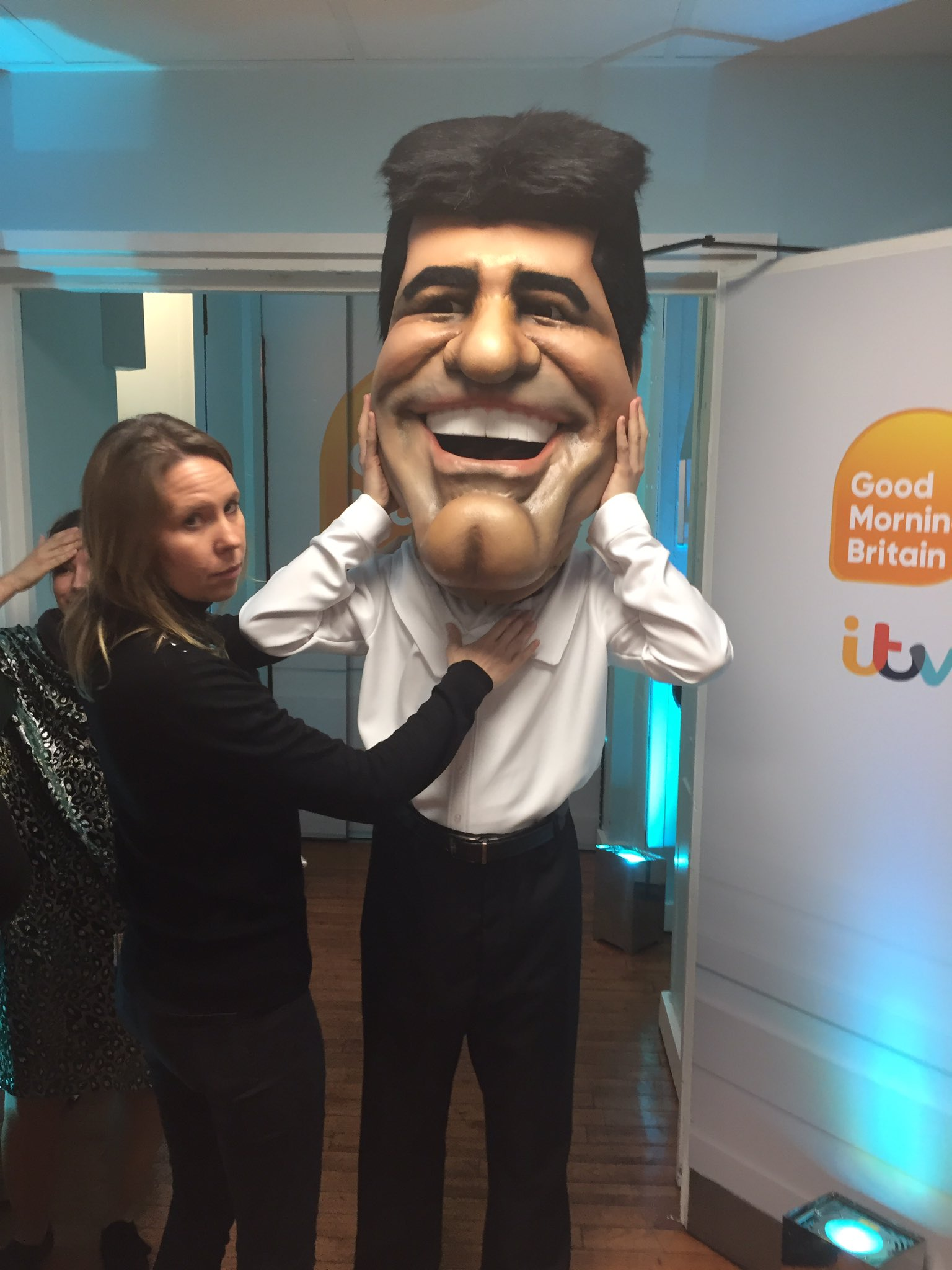 RT @GMB: You're in for a treat this morning, we've got @SimonCowell live in the @GMB studios 😀 https://t.co/NqHghESN6t