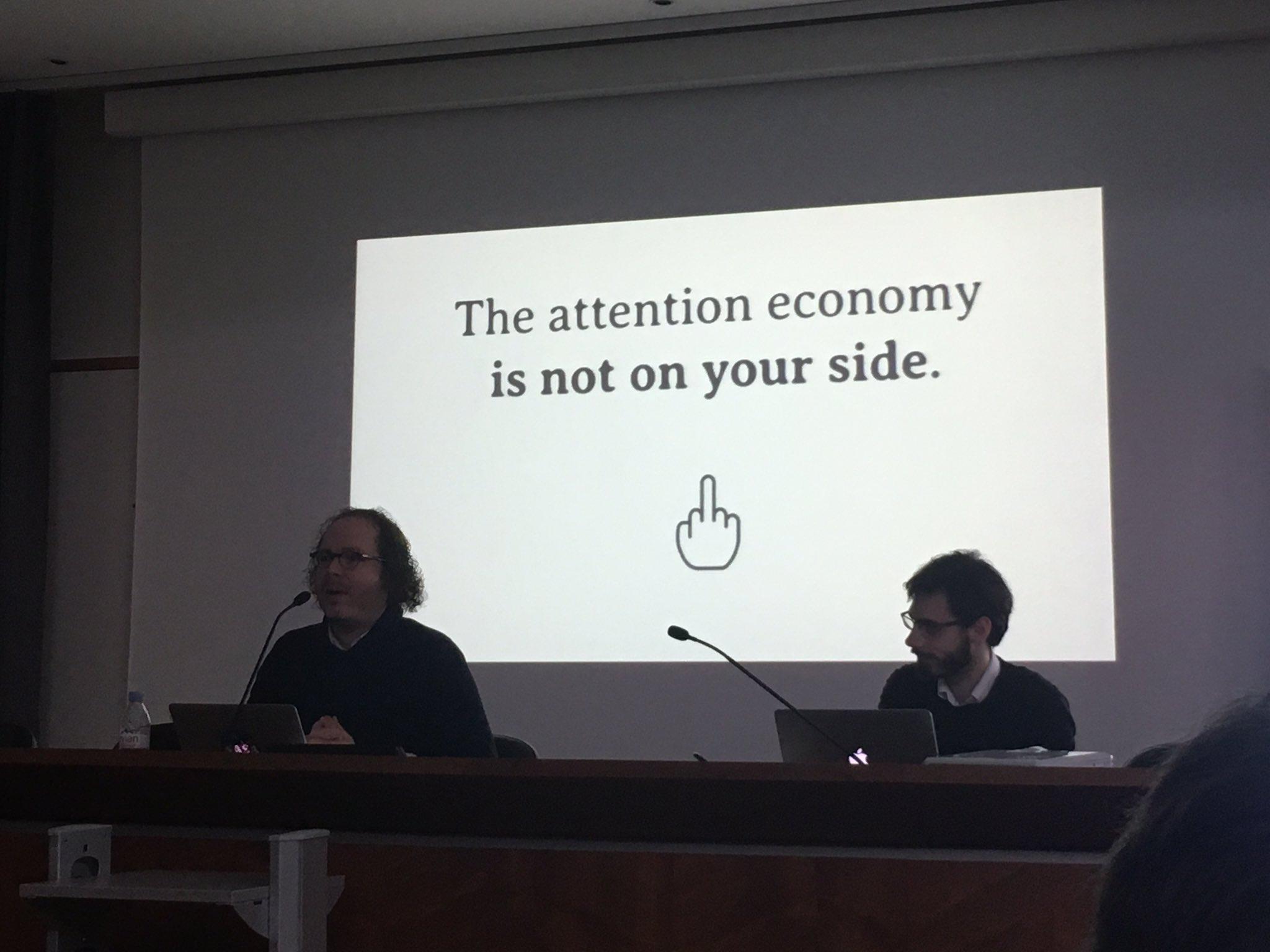 #ethicsbydesign : conférence de James Williams sur l'économie de l'attention https://t.co/gFBMPeB7Xl