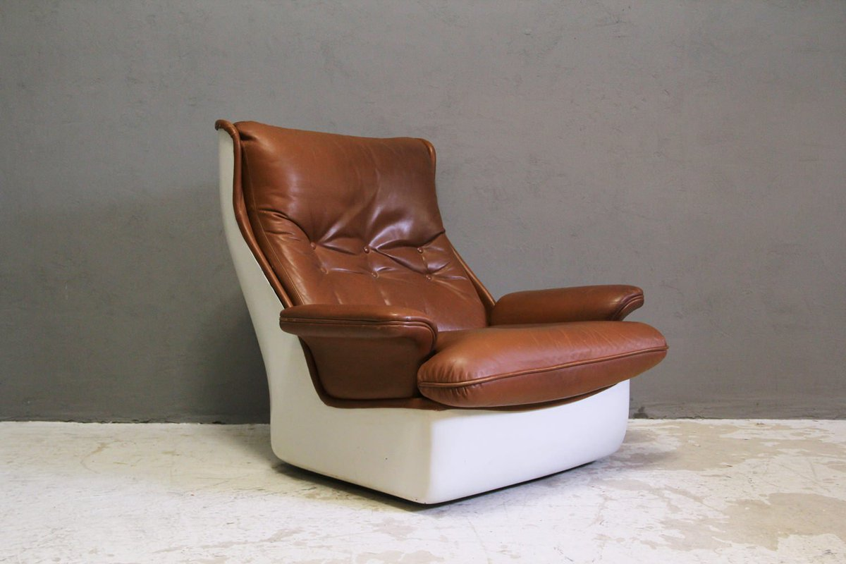 Atelier Pi atelier pi berlin on fiberglass lounge chair by airborne