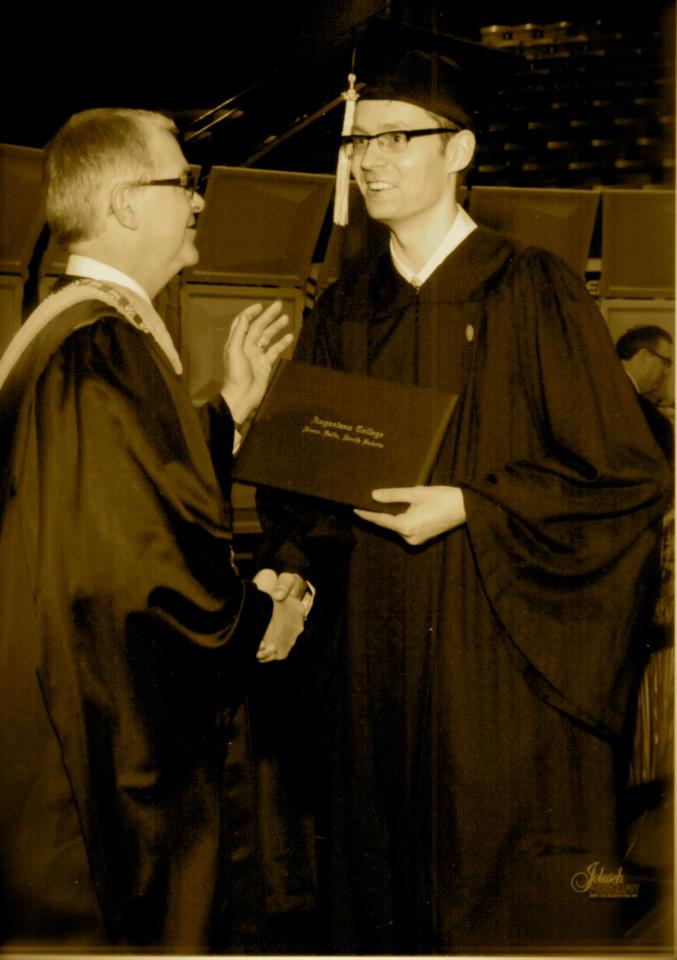 #FlashbackFriday to when Rob Oliver gave me my degree - May 2012. #OliverDay @AugustanaSD https://t.co/qvJu6F2gLR
