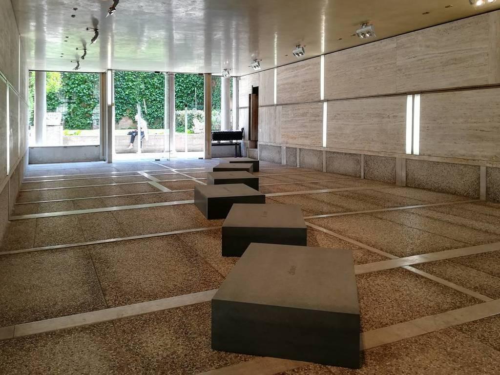 #fatemoltoconpoco #giovannianselmo #sculpture #marble @fondazionequerinistampalia #venice https://t.co/RTybXSkoDF