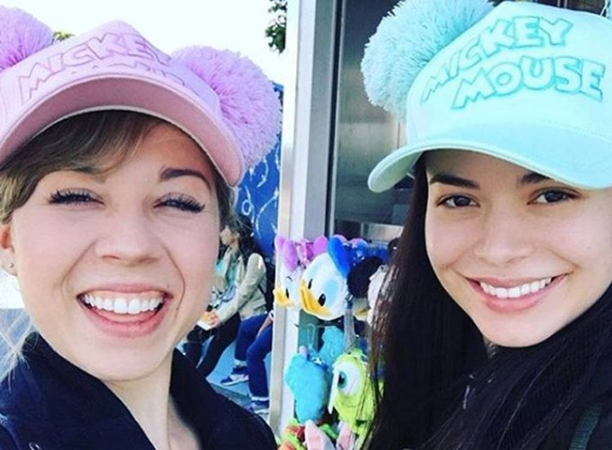 Happy Birthday Miranda Cosgrove! Celebrate With Her Cutest Jennette BFF Moments!
