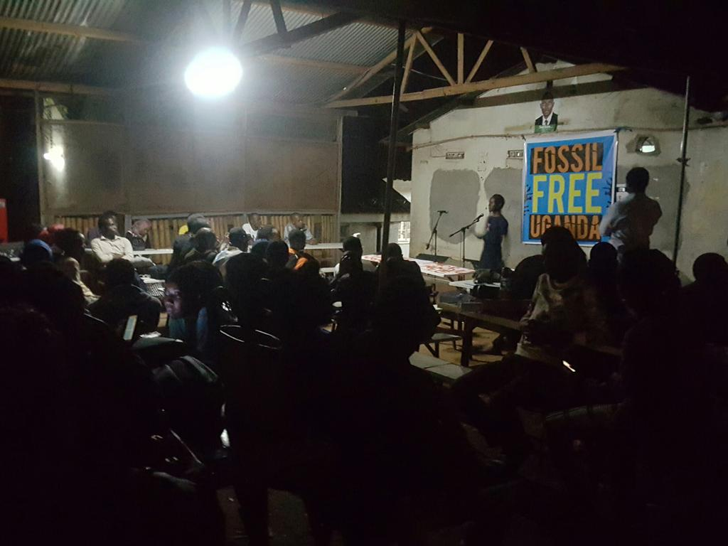 Live at Fossil Free Friday @350Africa @KeleleAtMak @TheStoryPeople1 #FossilFree #GDMAfrica2017 https://t.co/cAIEGGmRSp