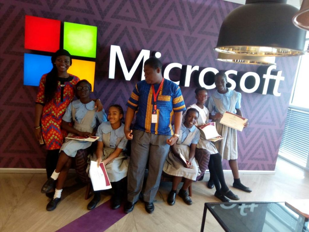 #TeamKamn with @ruffydfire and Goodness of @MicrosoftNG at the #Technovation2017 Regional celebration event. https://t.co/BrZ99JXuAO