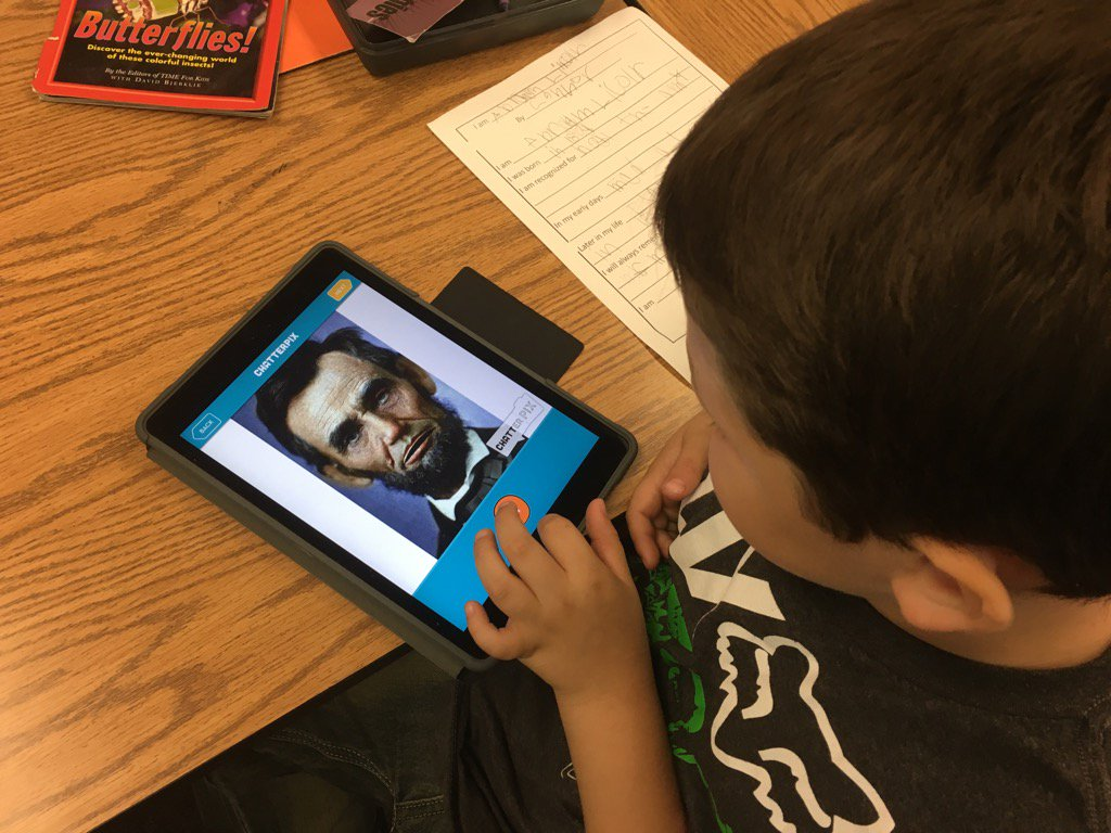 2nd grade Ss using @ChatterPixIt to share Hero Reports #bsdstem #oakgrovestars https://t.co/tpO7wE0pTV