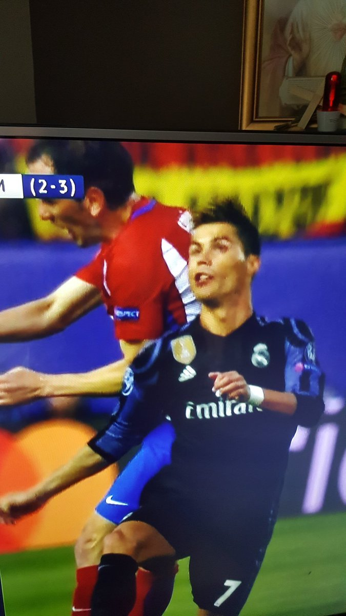 Ronaldo looks more like his statue now. #ATLRMA  CLICK HERE!-&gt; &quot; http:// corneey.com/qALoQA  &nbsp;  &quot;<br>http://pic.twitter.com/XOie54qW4t
