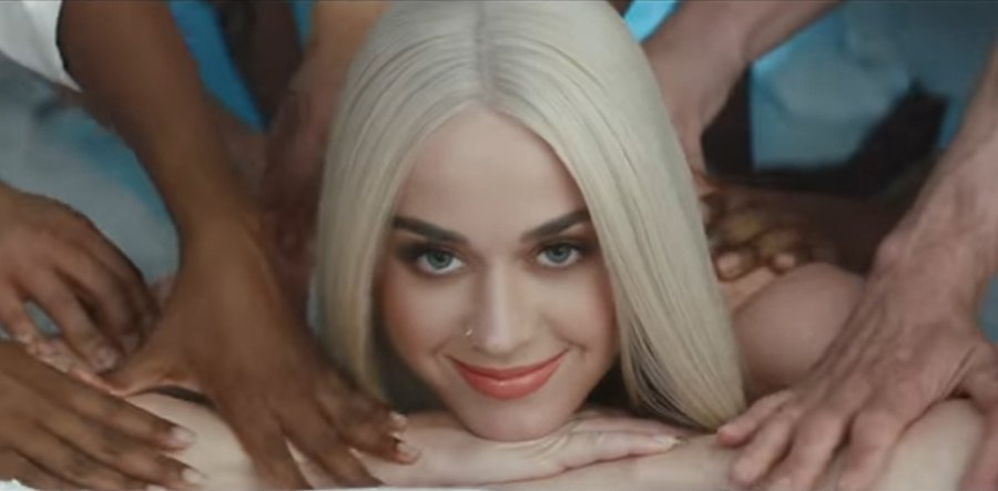 .@KatyPerry is literally the main dish in this racy video for #BonAppetit featuring @Migos https://t.co/egyXUlWvOK