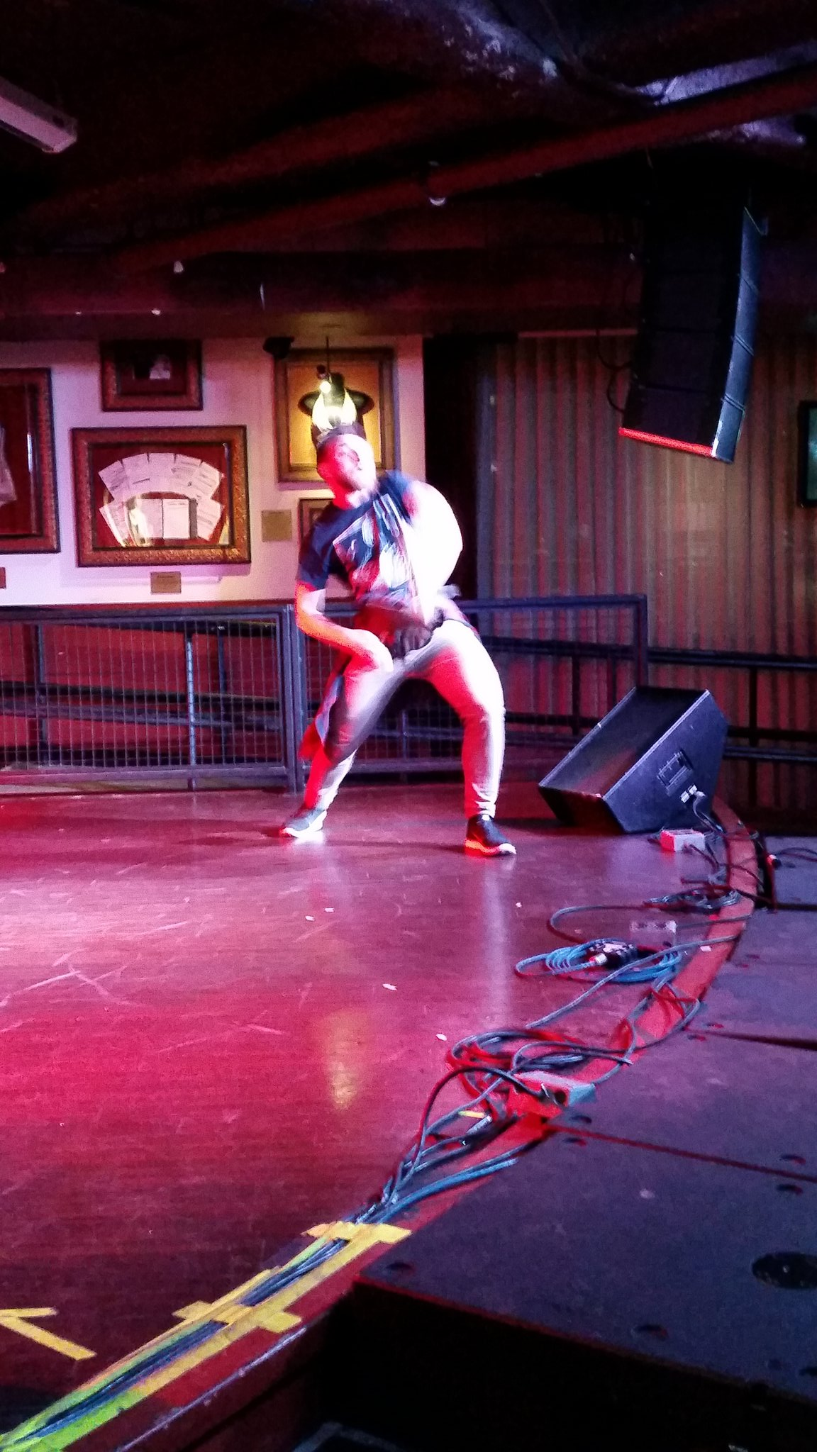 This dude is a walk on and did a great job frankly. #usairguitar https://t.co/8byC2EKVwv