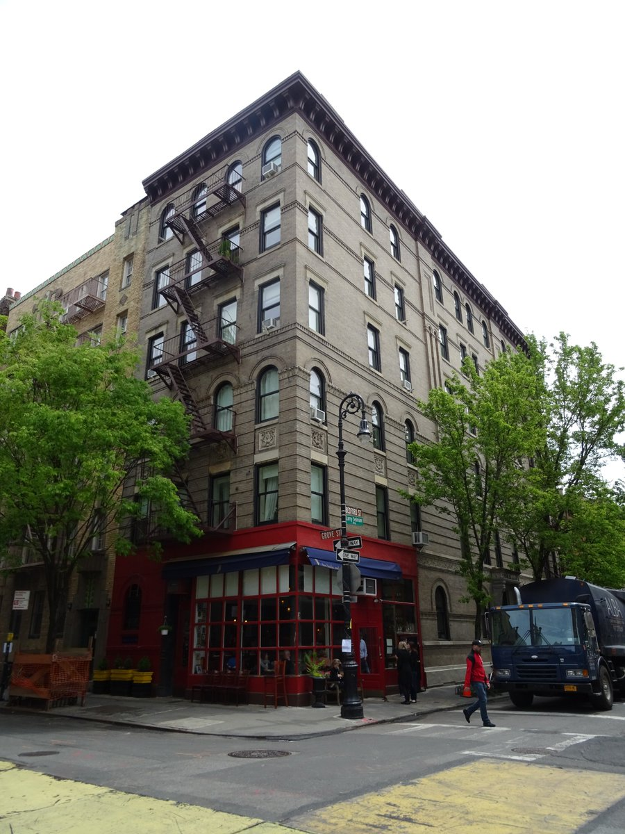 The Friends Apartment Building Between Bedford Street And Grove Greenwich Village New York S T Co Kfncnrqmzi