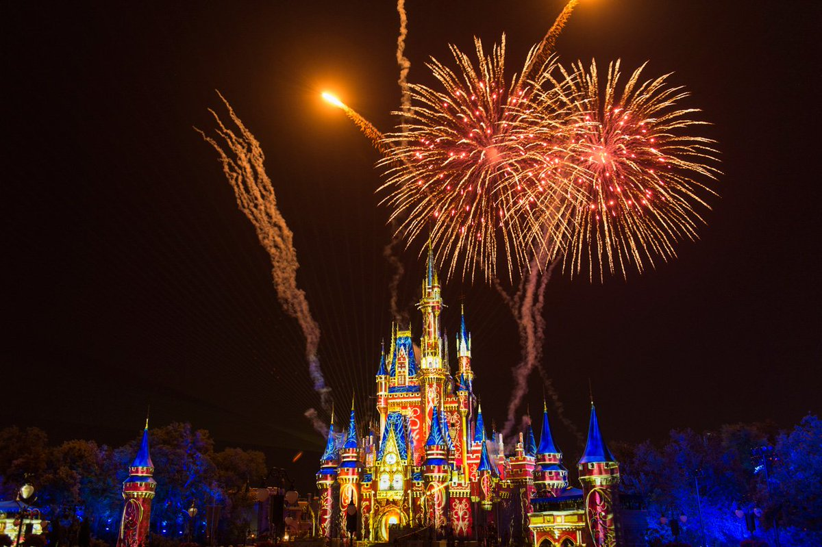 Disney Parks On Twitter Our DisneyParksLive Stream Of The New HappilyEverAfter Fireworks From Magic Kingdom Park Starts Now