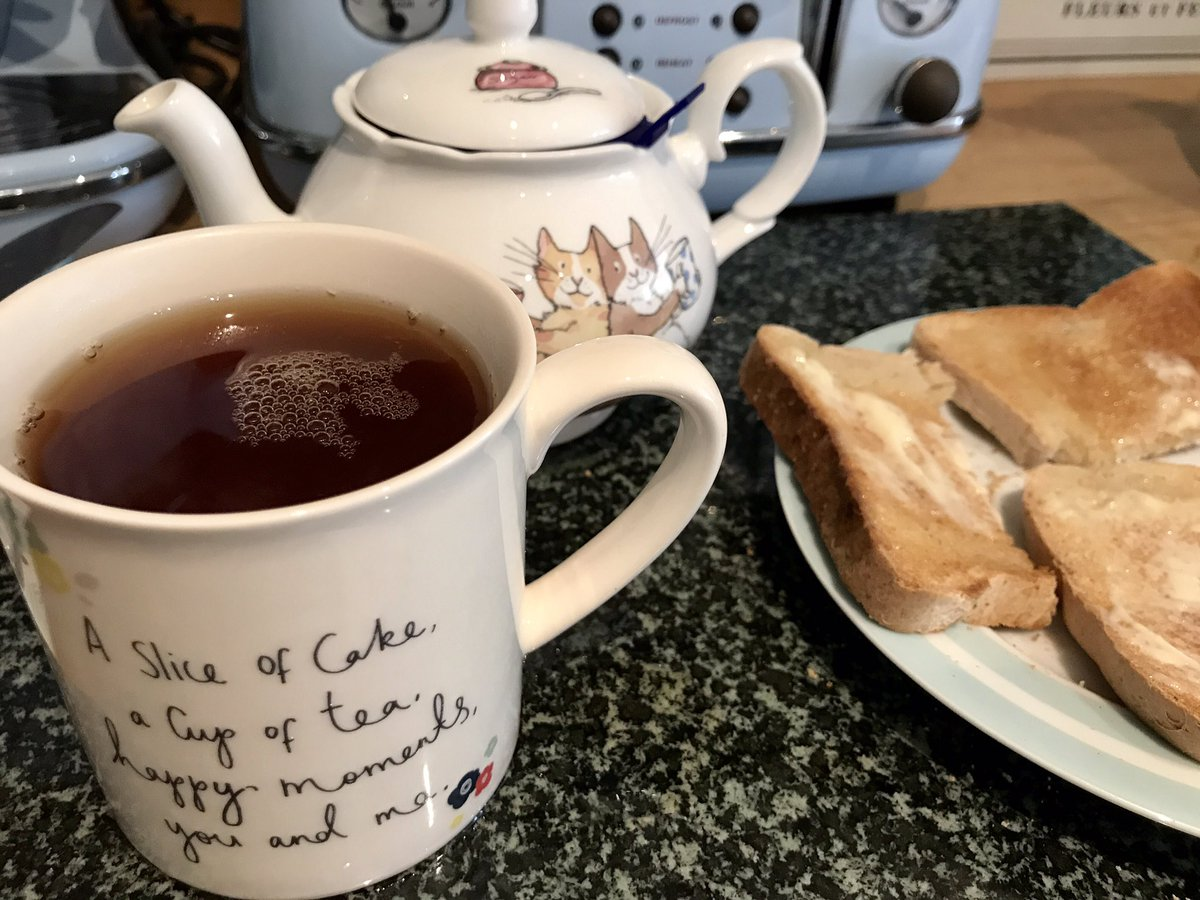 Ahh! Quiet sit down, gluten free toast and a pot of my amazing custom #tea blend that I won in the @ChashTea #nationalteaday competition  <br>http://pic.twitter.com/0RULo65XVa