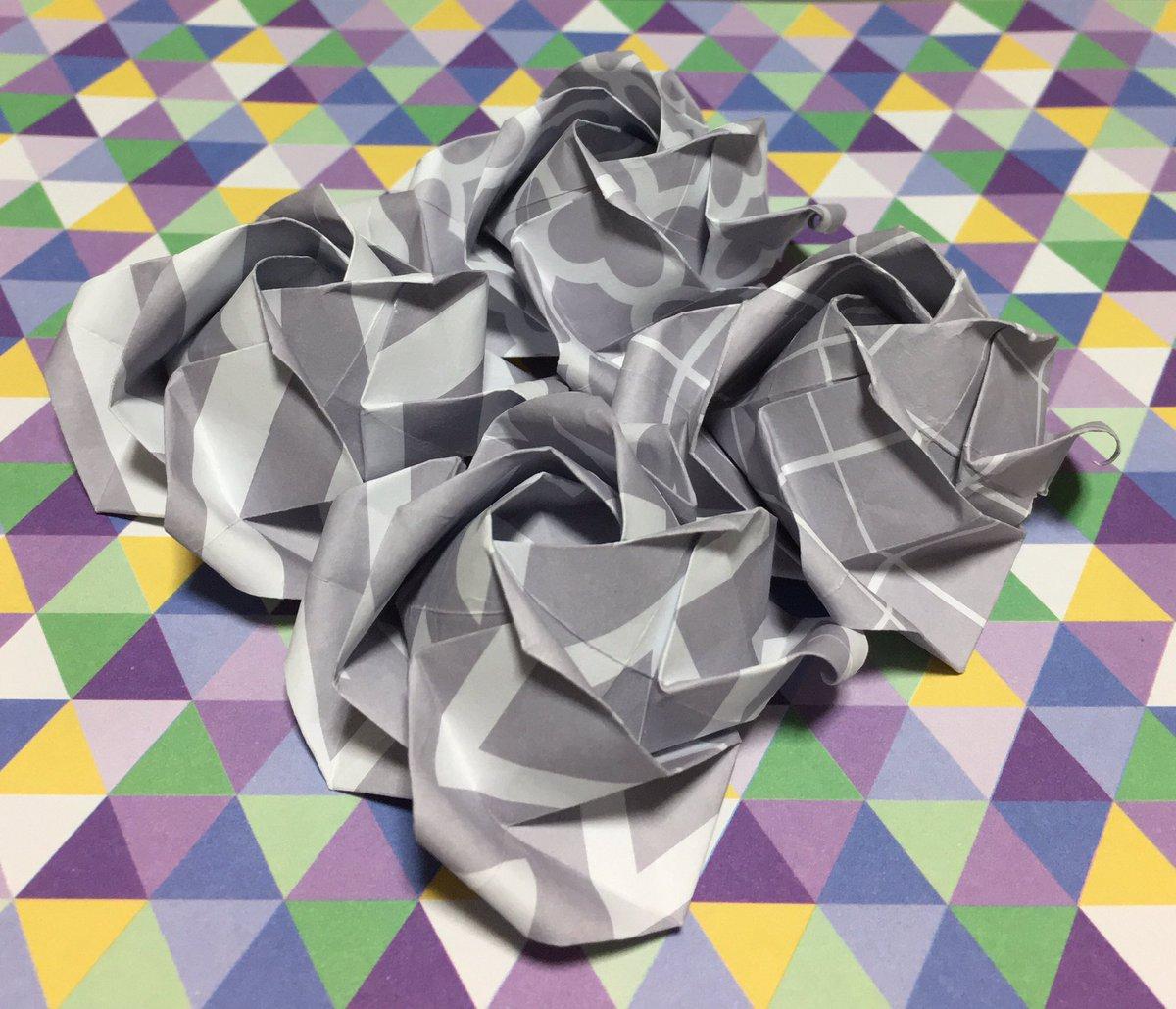 test ツイッターメディア - セリアでディーンさんのロゼットを作ろうと材料を購入しに行ったら面白い折り紙を見つけたのでバラの花を折って見ました何個折ったか解りますか#ディーンフジオカ #セリア https://t.co/OPV8EqYALF