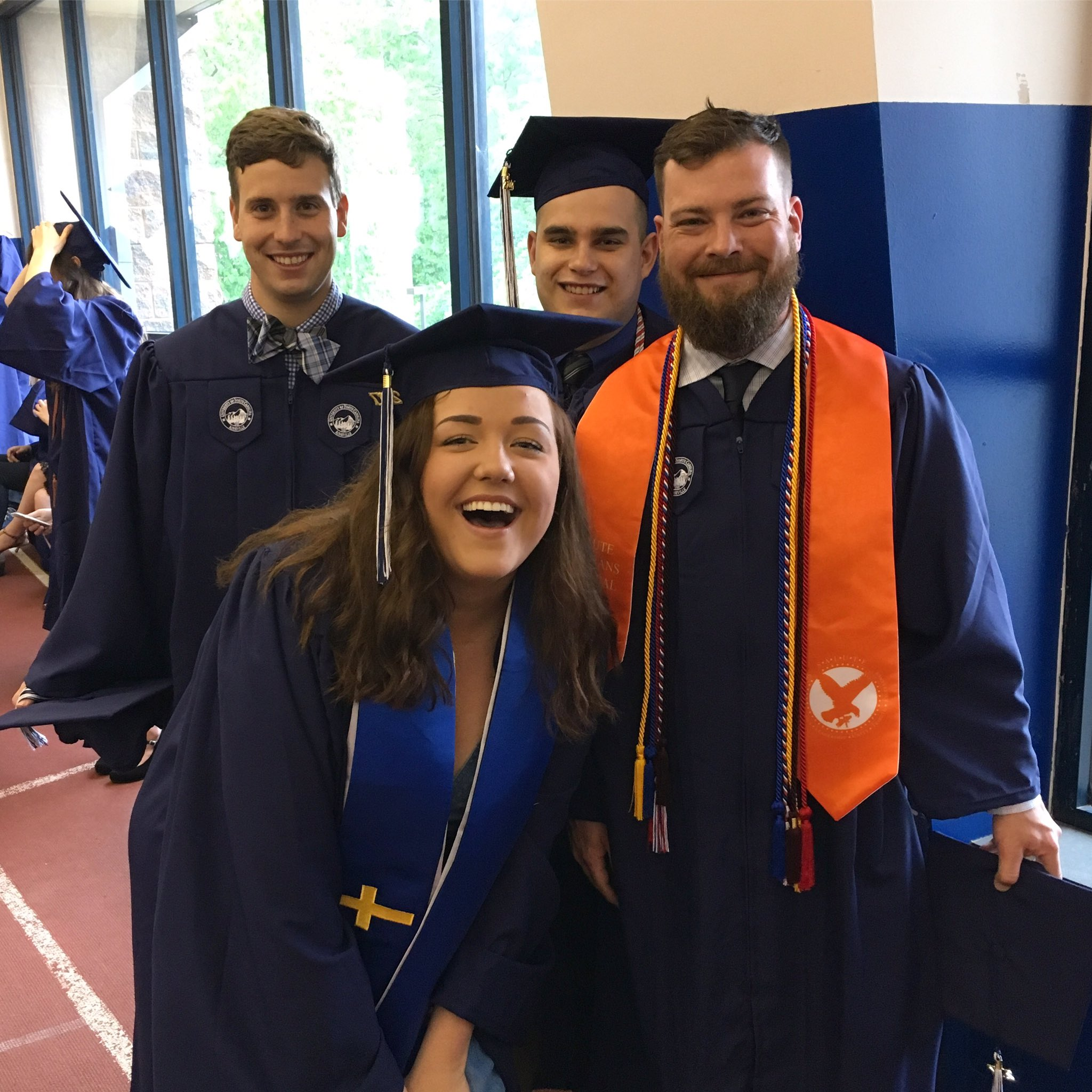 All smiles on #graduationday #uncavl2017 #soontobealumni https://t.co/m5PEDfJvsI