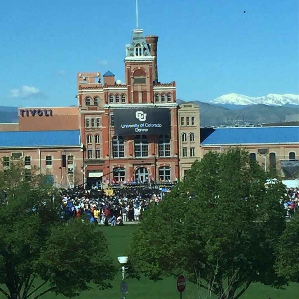 Spring #graduation at CU Denver #cudenvergrad #cuinthecity #rockymountains https://t.co/RN9DGyV2sX https://t.co/92CZcuv0LF
