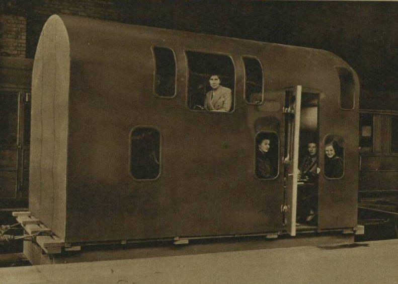 C uUrbUXUAE6OBx - Marylebone station's anniversary