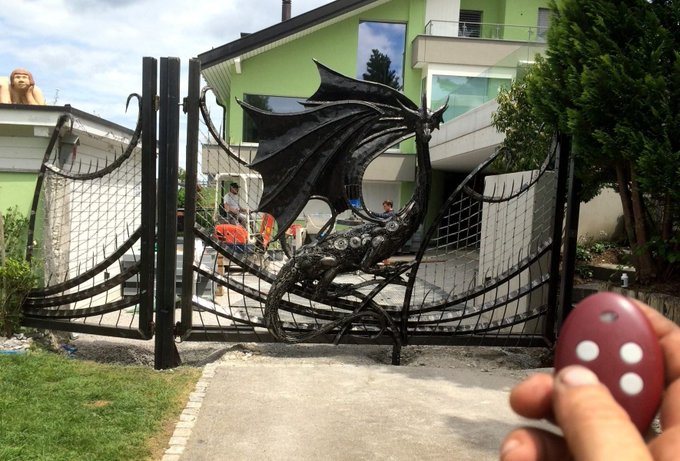Dragon Gate - Made from car and motorcycle parts by Tom Samui  https://t.co/6Ta9NzAMHd