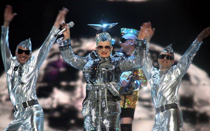 make #Eurovision weird again x
