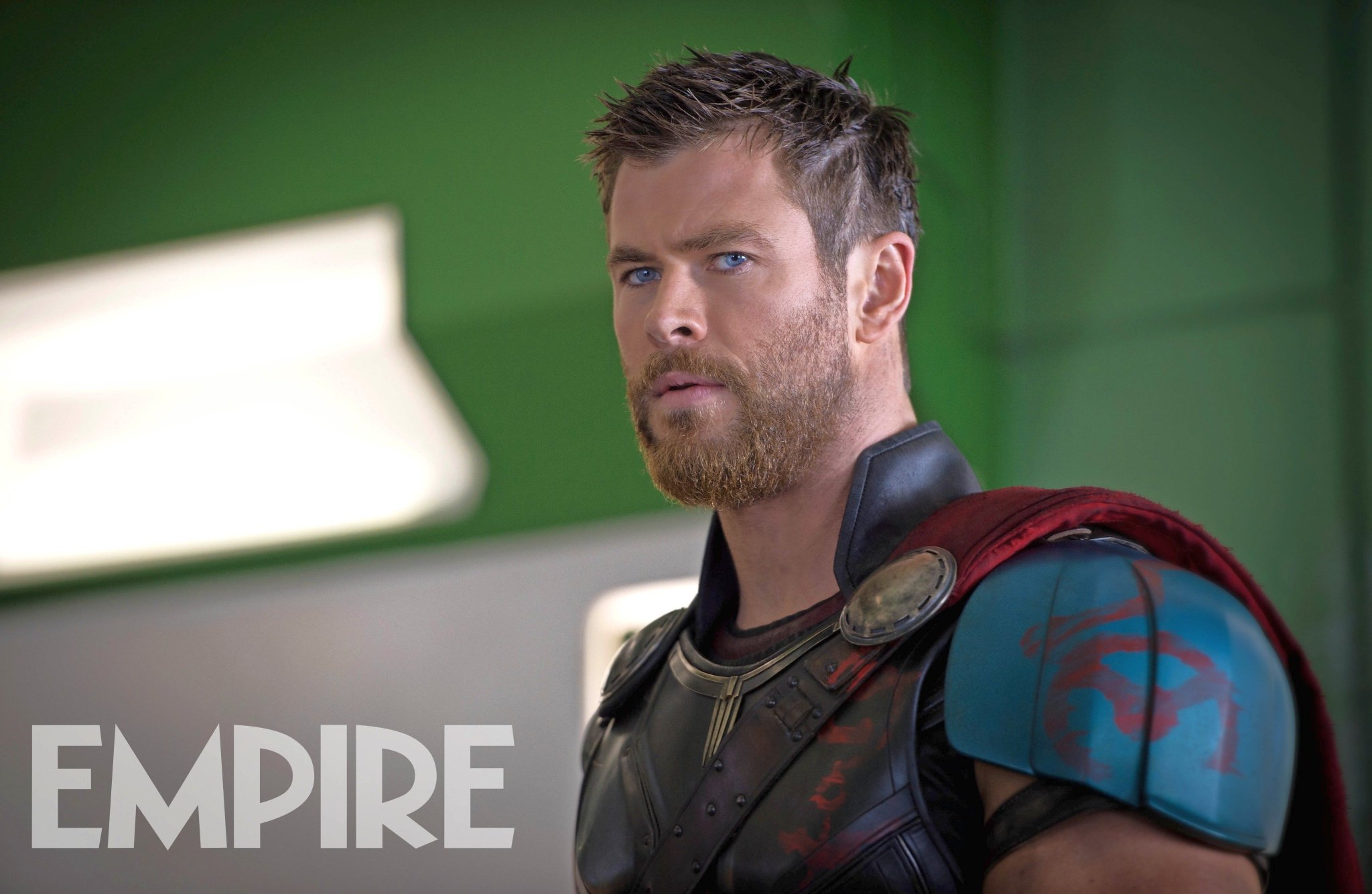 Thor Is Ready For Battle In A New Thor: Ragnarok Photo