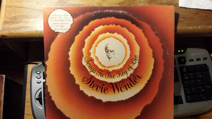 Happy Birthday, Stevie Wonder! One of the best albums ever, Songs In The Key Of Life. Wore this LP out in college.