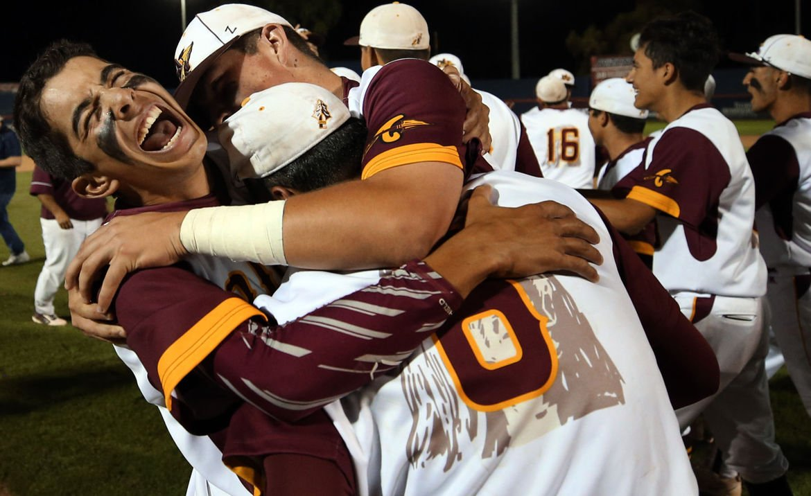 Nogales thumps Salpointe Catholic for first state baseball title since 1981 https://t.co/7FnPzduHmA