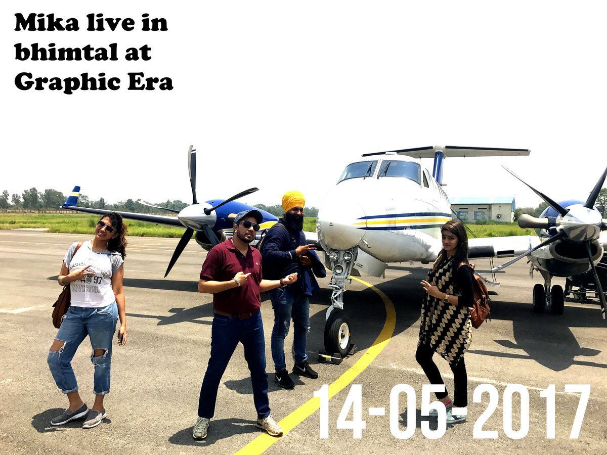 Just landed in #Panth nagar .. hello #Bhimtal be ready to rock with me at #GraphicEra..tonight 7pm:)<br>http://pic.twitter.com/kaWeYURiMH
