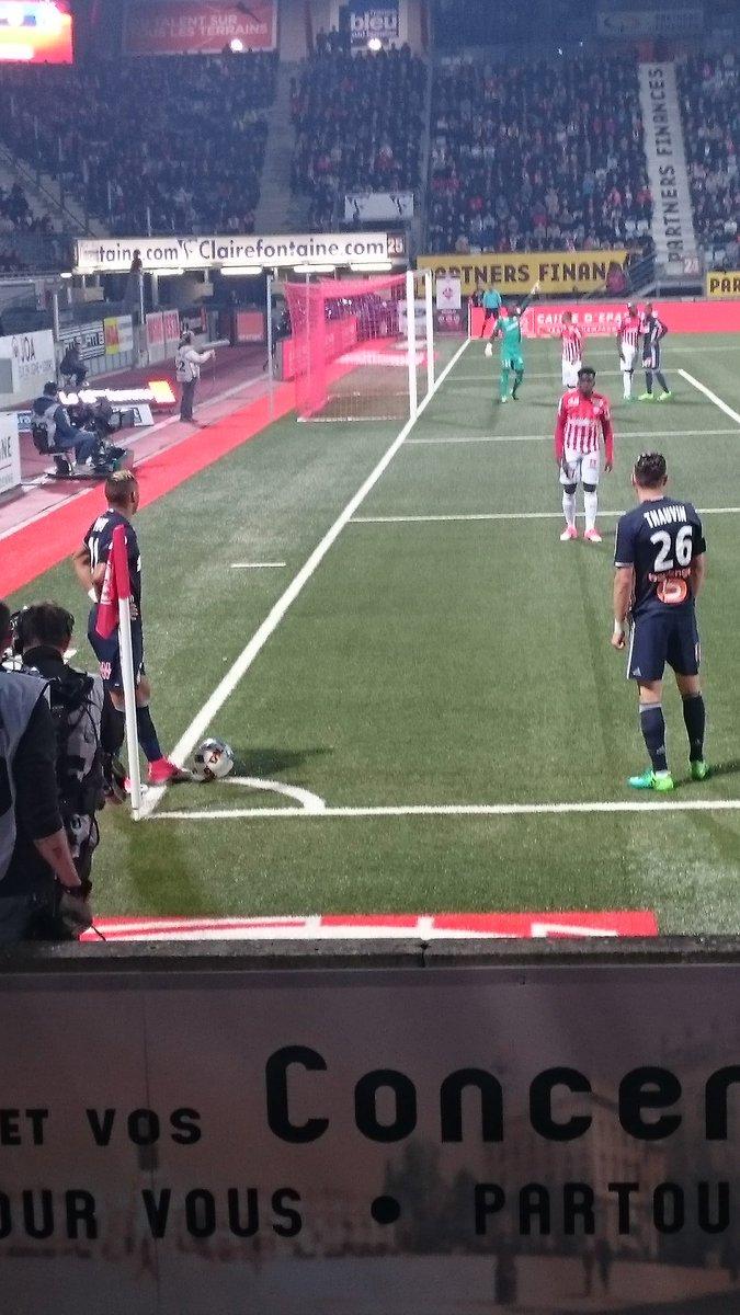 #asnlom #TeamOM  j ai vu les 2 joueurs que je kiff en même temps  ce soir dynamité moi #FCGBOM @FlorianThauvin @dimpayet17pic.twitter.com/G6hZ21qbJg