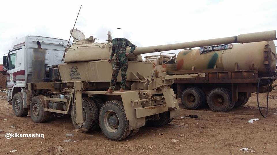 بالصور...دبابة غريبة تشارك في معارك تحرير الموصل C_yRe2KXUAAy3Qk