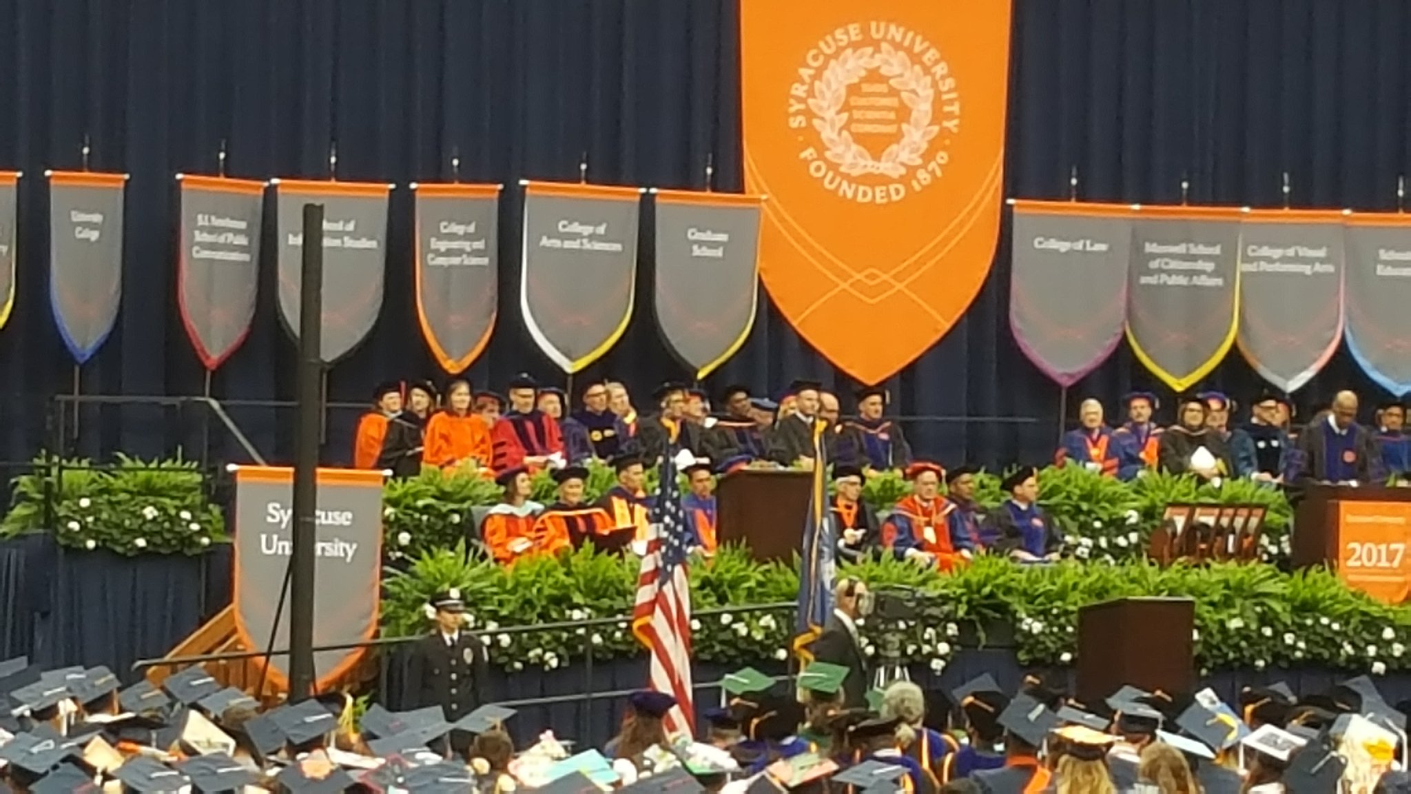 #VernonJordan shares experiences of racial discrimination & inspires #SUGrad17 to overcome challenges in changing world @SyracuseU @aybwill https://t.co/DWOFQbqHPX