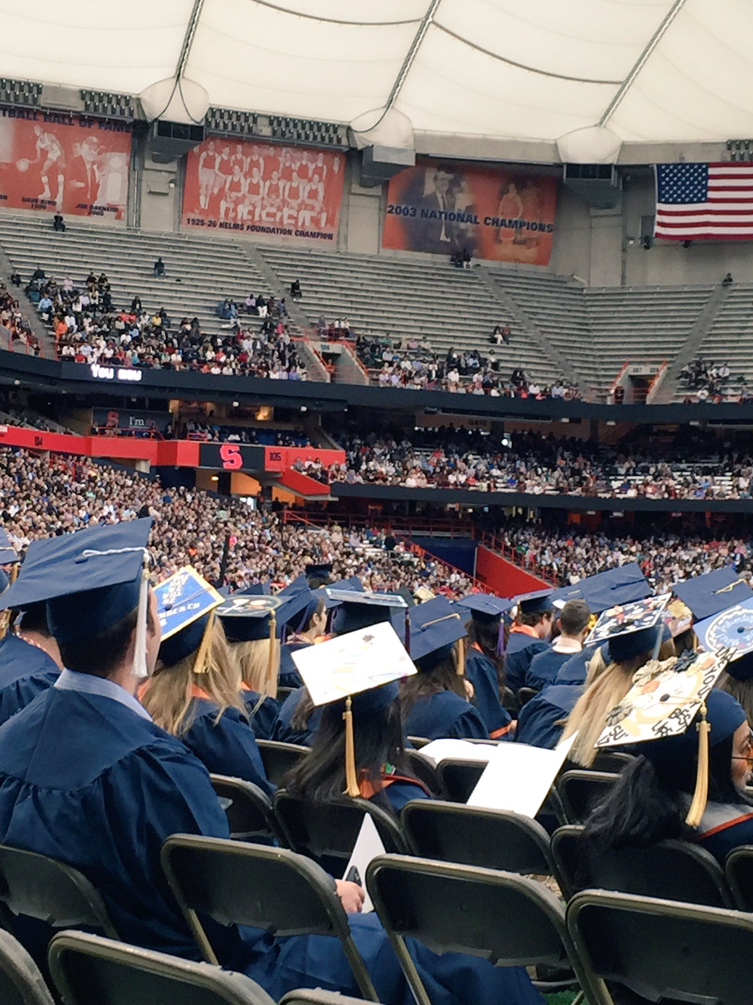 Congratulations, Class of 2017. You did it! #SUGrad17 https://t.co/0UfWyBE2RJ