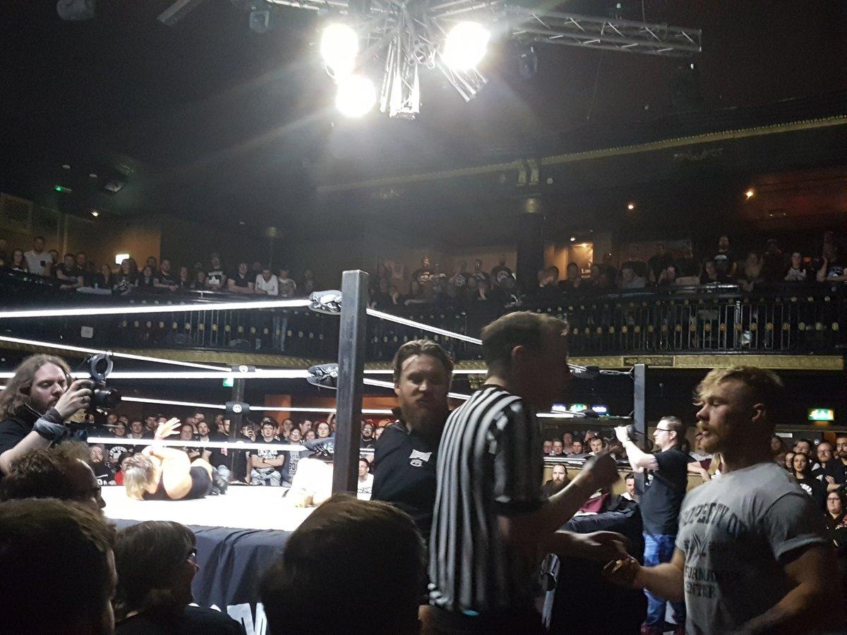 Resultados de Progress Wrestling Chapter 48 - Pete Dunne ante su defensa más arriesgada 3