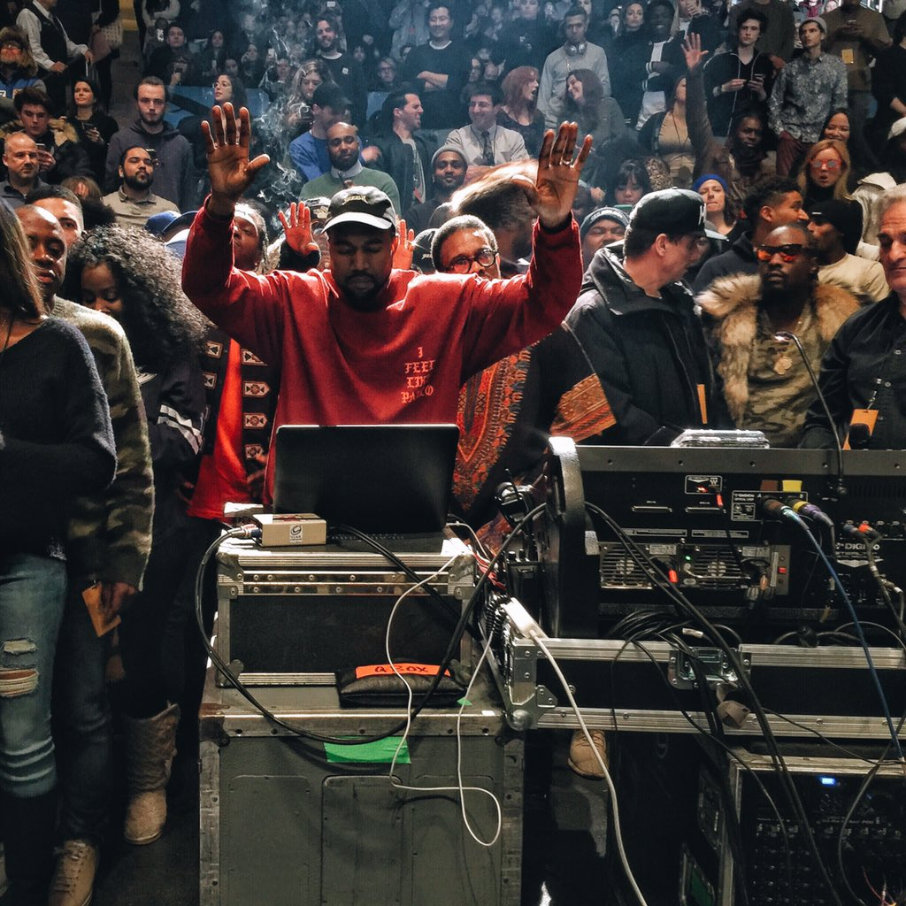 Boss at work #YEEZYSEASON3 https://t.co/uLASI9iFdX