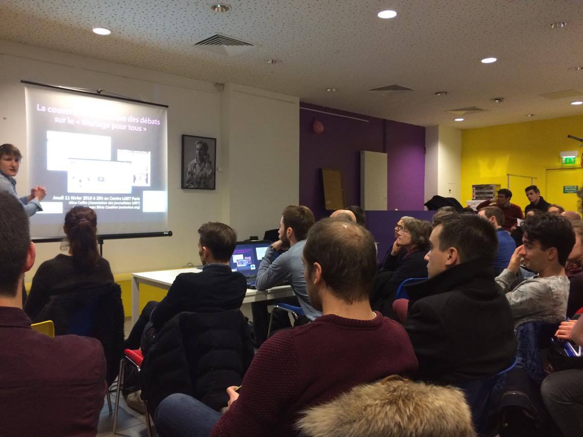 Ce soir, on assistait à une conférence sur les médias l'homophobie et les asso avec l'@ajlgbt au @CentreLGBTParis https://t.co/G2IrA9ReTB