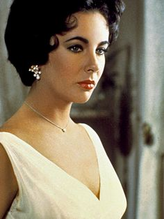 RT @ElizabethTaylor: The inspiration for @QVC's heart drop necklace. Send to your #Valentine at https://t.co/65eEt1UNsr https://t.co/pPtizT…