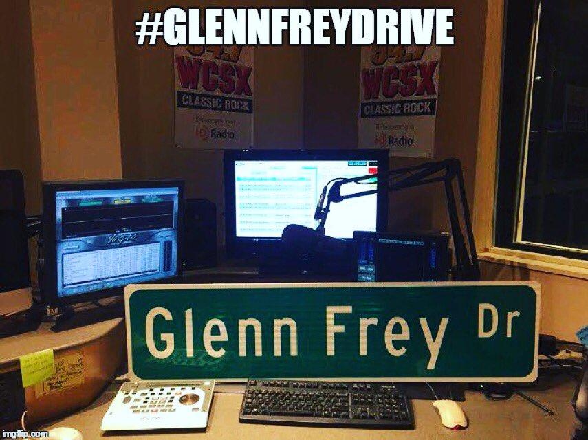 Thank you #Detroit - Glenn Frey Drive is a reality! Royal Oak School Board approved it unanimously https://t.co/KwAIZmF7xL