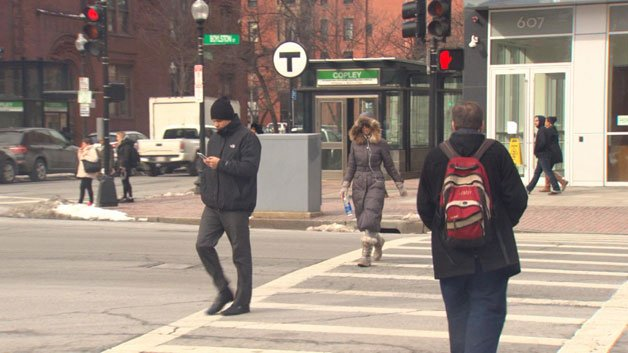 Mass. lawmakers plan to address jaywalking problem in Boston @ChanteeLans reports