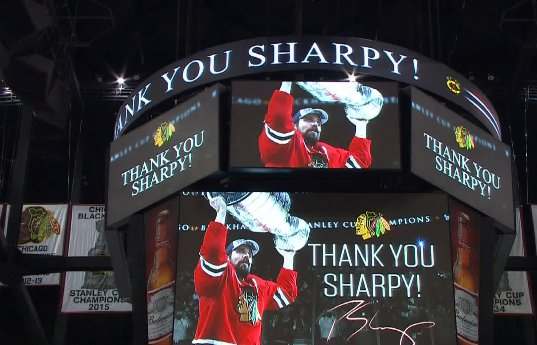 Great Moment: Blackhawks honor Patrick Sharp in his 1st regular season game with Stars since trade. @WGNNews