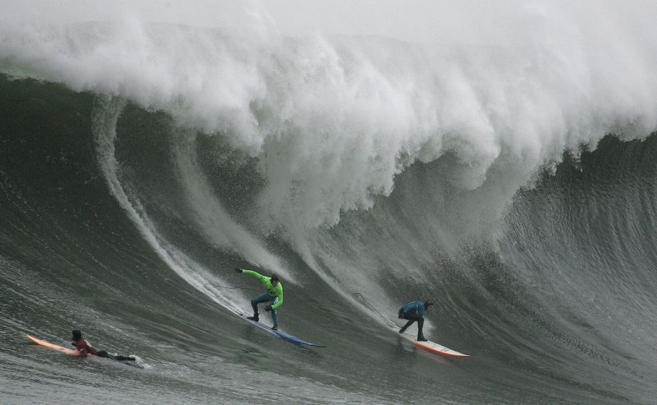 Mavericks surf contest draws an all-star cast; find out how to watch it online Friday