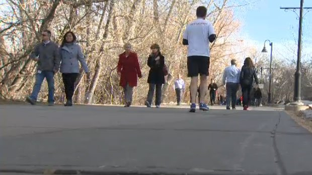 Record-breaking warmth in Calgary. @CTVBradMacLeod sees how people enjoyed it.