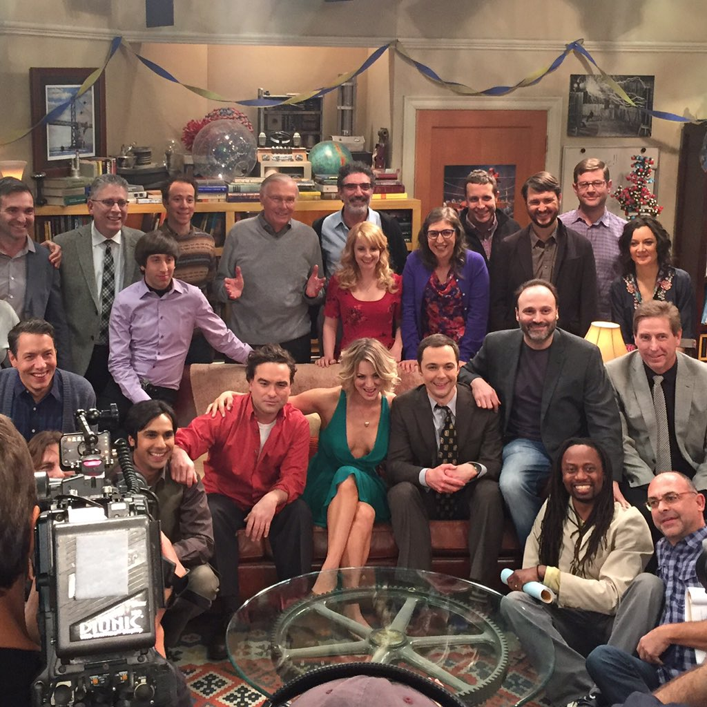 Congrats to the cast and crew of #TheBigBangTheory on 200 episodes! #TBBT https://t.co/05BW0qaow2