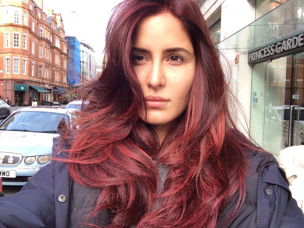 The chinar red #fitoor #KatrinaKaif https://t.co/JayOoKl0kp