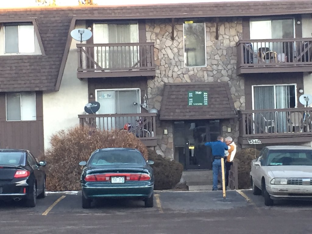 NOW: Homicide investigation at Arapahoe Co apt complex on Harvard (right by Denver). Deputy injured in crash on way
