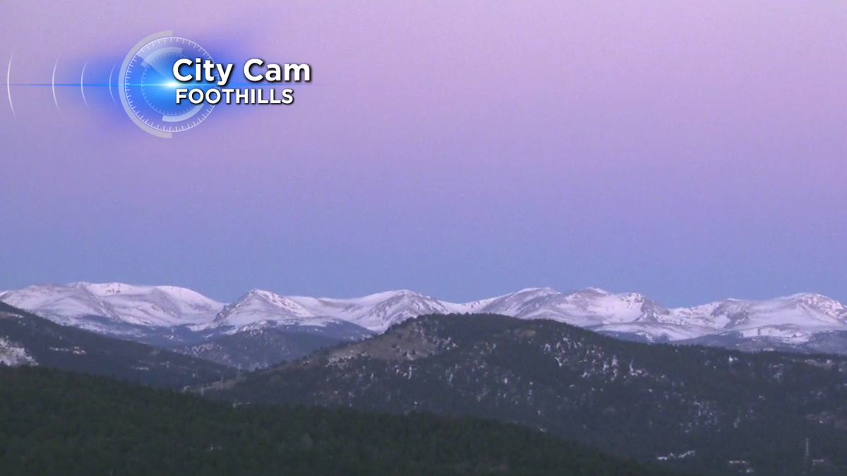 Clear skies this morning! We're looking at a warm, sunny day with some gusty winds! Have a fab Wednesday! cowx